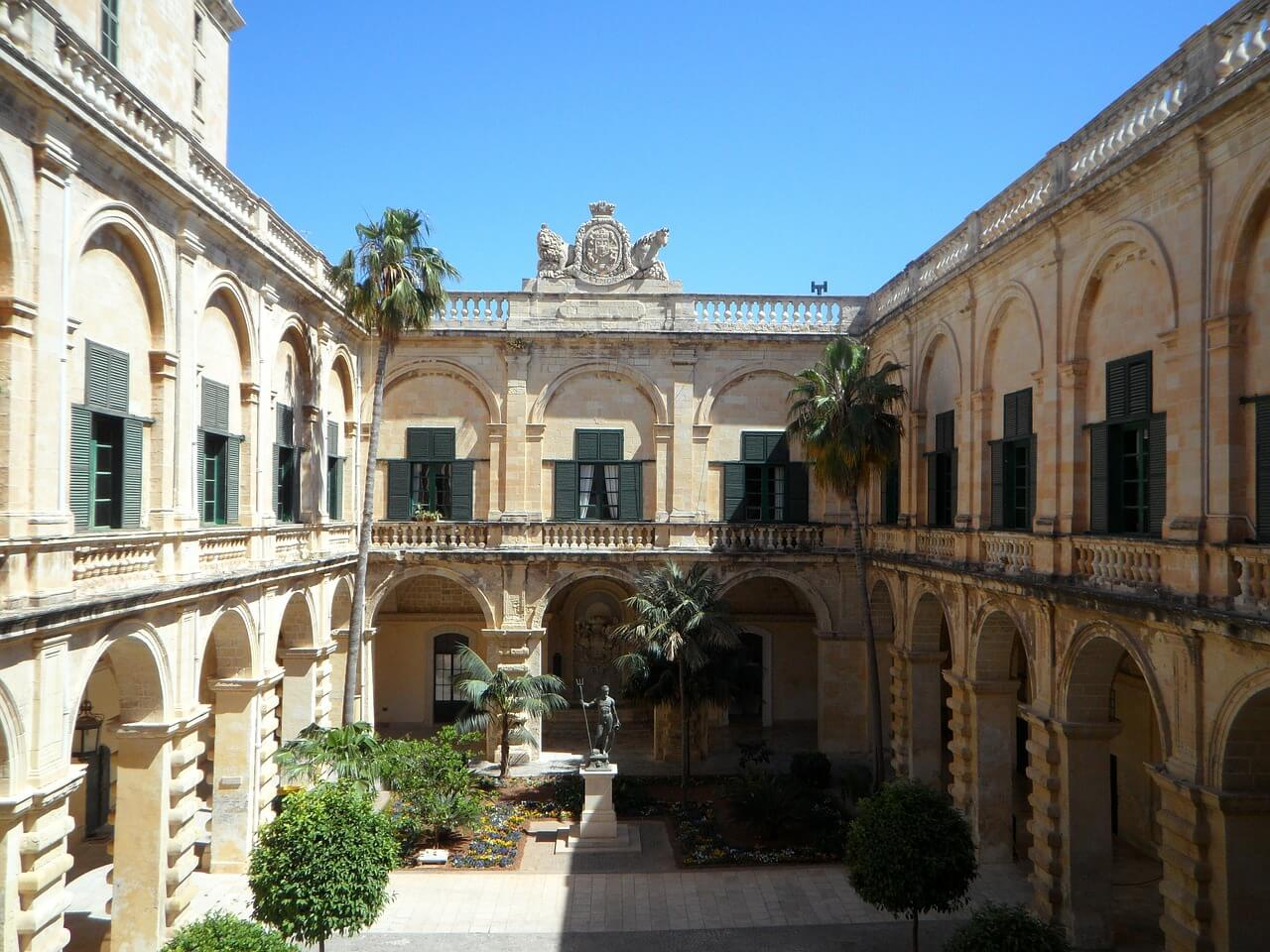beautiful buildings in Malta